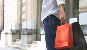 women-and-men-shopping-2013.-77