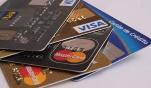 Abecs vai passar a divulgar juros médios do crédito rotativo e parcelado