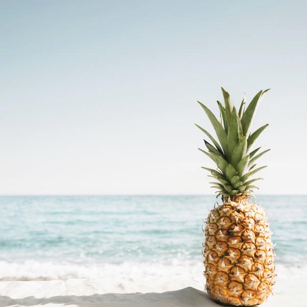 fundo-de-praia-com-abacaxi_23-2147837383
