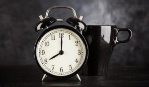alarm-clock-cup-coffee_62847-155